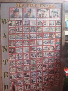 Überall auf Mindanao hängen Fahndungsplakate mit gesuchten NPA-Mitgliedern